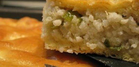 Пирог с солеными огурцами и картошкой рецепт