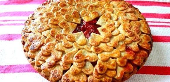 Пирог с клубникой из слоеного теста рецепт с пошагово в духовке
